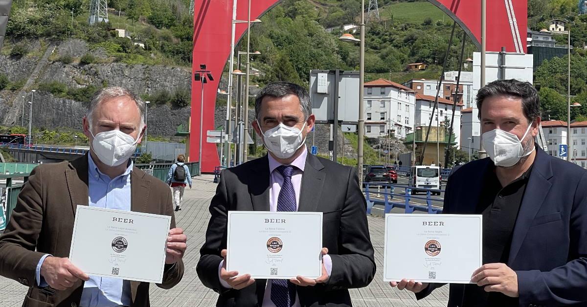LA SALVE entrega los premios de la London Beer Competition al Clúster de Alimentación de Euskadi - LA SALVE Bilbao